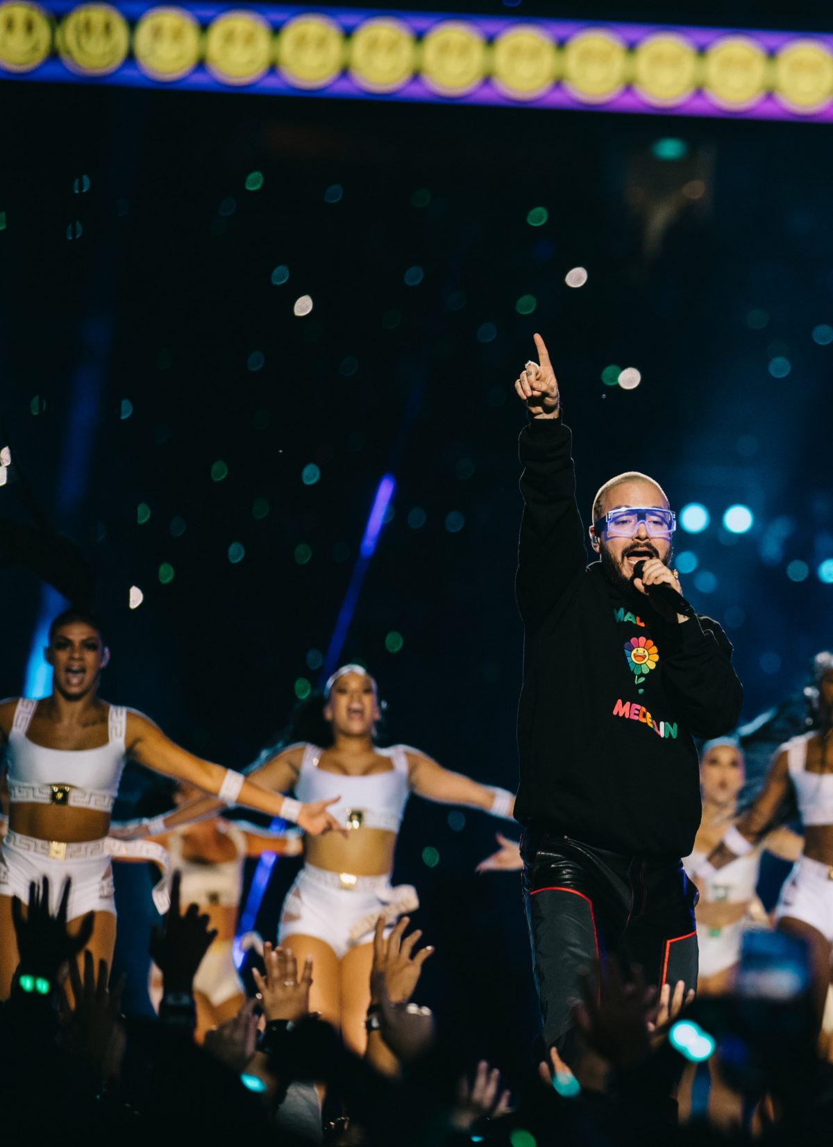 «Reggaeton's Global Ambassador» J BALVIN AND will.i.am PREVIEW COLORES, A COLLECTION OF AUDIO-ENHANCED, MODULAR, VOICE-CONTROLLED GLASSES IN MIAMI