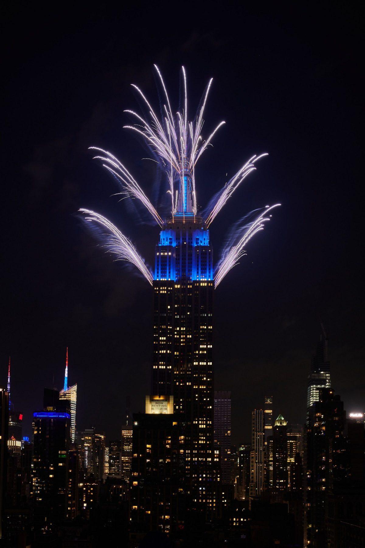 El Empire State Building celebra gran final de la edición anual 44 del espectáculo de fuegos artificiales del 4 de Julio de Macy's