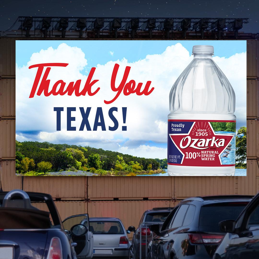 La marca Ozarka® de agua mineral 100 % natural crea un festival de películas en autocine para celebrar la belleza de Texas