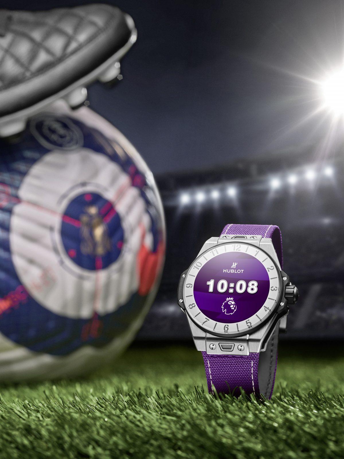 La manufactura suiza de relojes Hublot, cronometrador oficial de la Premier League, ha anunciado una versión de su reloj conectado Big Bang e en edición limitada.